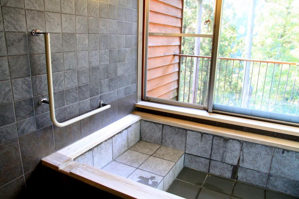 段差を利用しての半身浴も可能