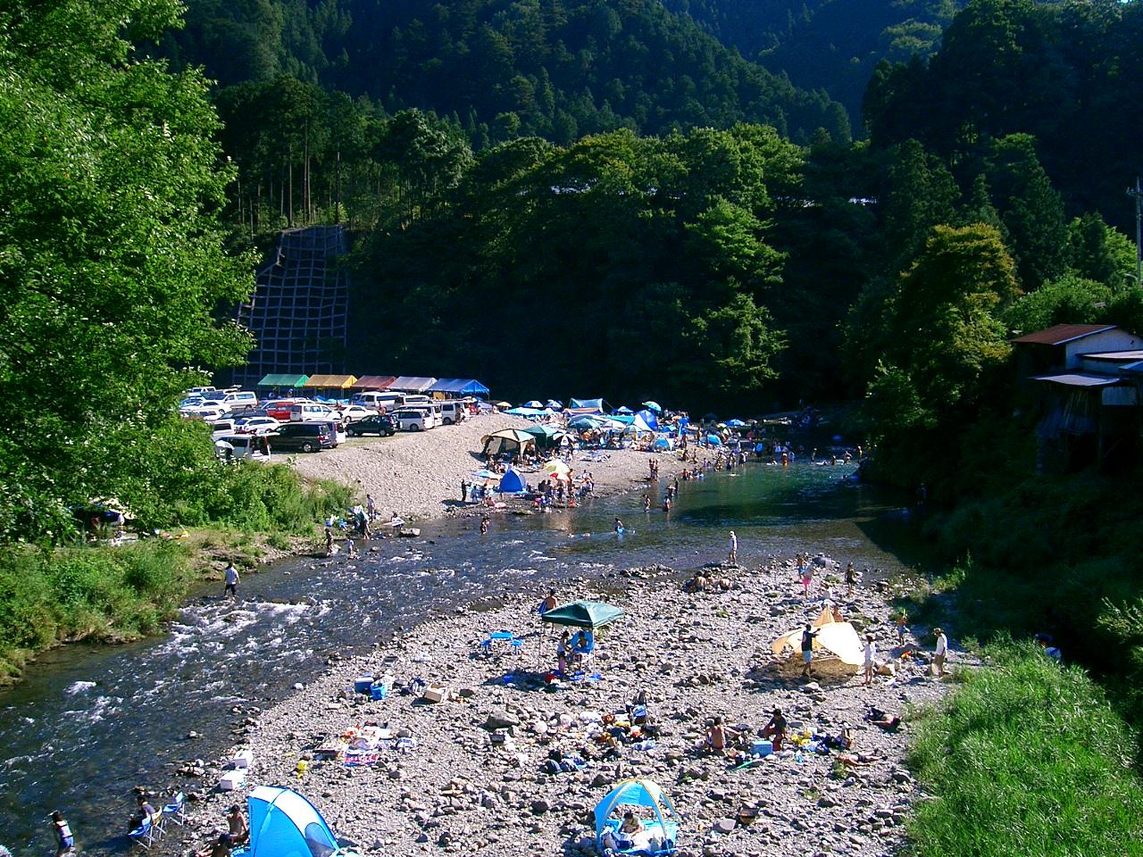 秋川渓谷 瀬音の湯 周辺観光施設のご案内 川遊び
